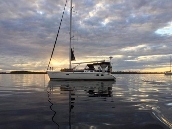 Used Hunter 380 Cruiser Sailboat For Sale