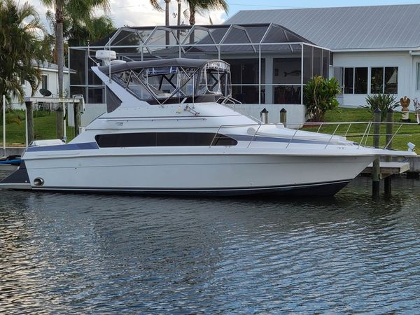 Used Carver 380 Santego Cruiser Boat For Sale
