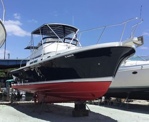 Used Albin 32 + 2 Command Bridge Flybridge Boat For Sale