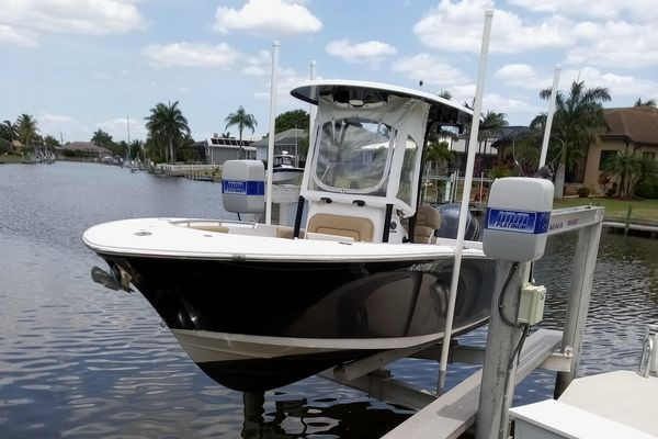 Used Sportsman 23 Center Console Fishing Boat For Sale
