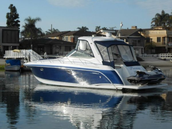 Used Formula PC Express Cruiser Boat For Sale