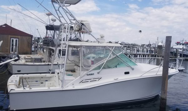 Used Cabo Yachts 31 Express Cruiser Boat For Sale