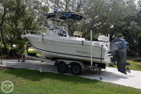 Used Robalo R230 Center Console Fishing Boat For Sale