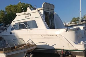 Used Mainship 31 FT Sedan Bridge Loaded Flybridge Boat For Sale