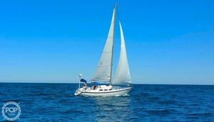 Used Newport 33 Racer and Cruiser Sailboat For Sale