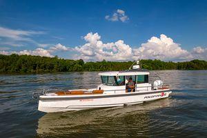 Used Axopar 28C Motor Yacht For Sale