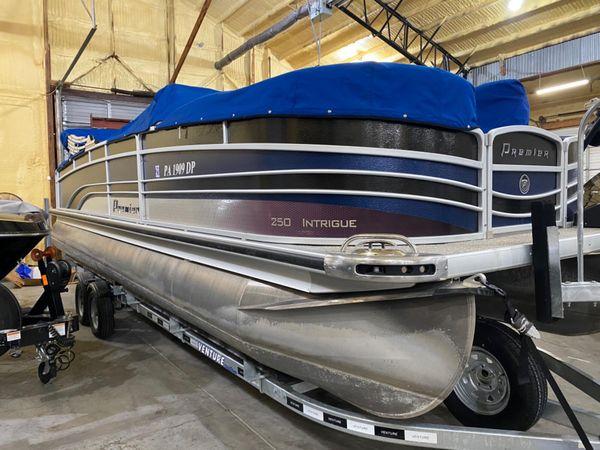 Used Premier 250 Intrigue RF Pontoon Boat For Sale