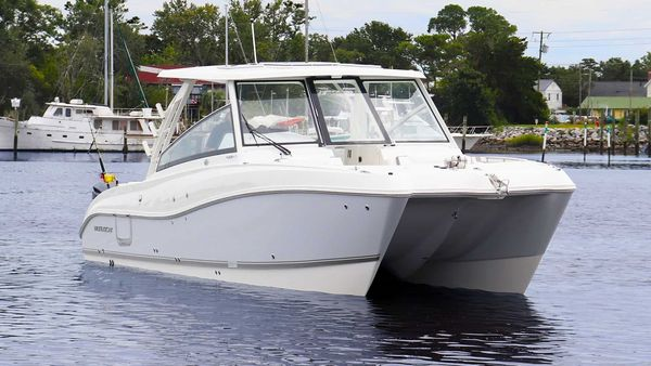 New World Cat 325 CC Center Console Fishing Boat For Sale