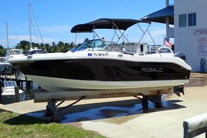 Used Robalo R207 Dual Console Dual Console Boat For Sale