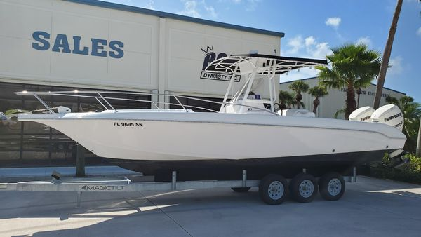 Used Pro-Line 30 ss cuddy Center Console Fishing Boat For Sale