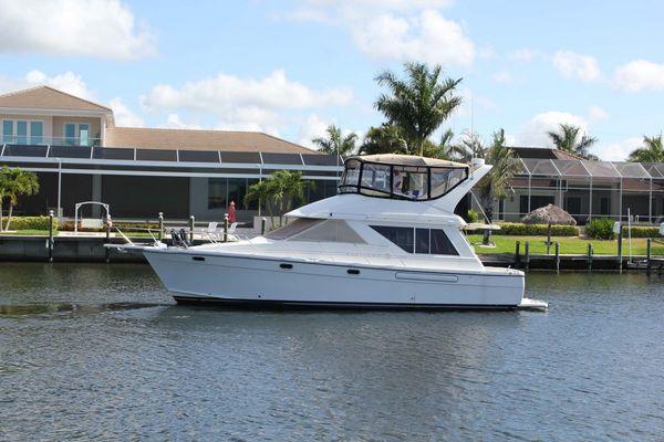Used Bayliner 3988 Motor Yacht Flybridge Boat For Sale