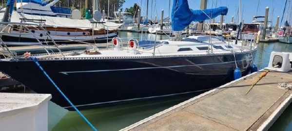 Used Ranger Yachts 37 Racer and Cruiser Sailboat For Sale