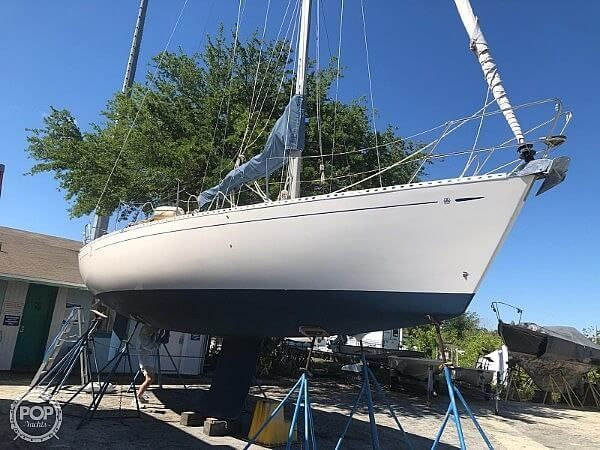 Used Dufour 35 Classic Sloop Sailboat For Sale