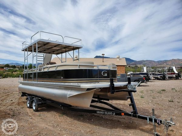 New Tahoe Grand Island Pontoon Boat For Sale