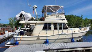 Used Mainship 390 Sedan Trawler Boat For Sale