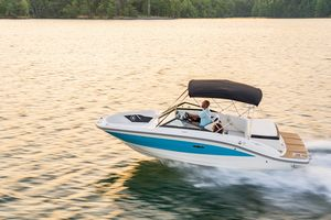 New Sea Ray 190SPX Express Cruiser Boat For Sale