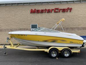 Used Chaparral 204 Ski and Wakeboard Boat For Sale