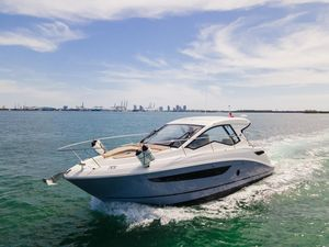 Used Sea Ray 350 Coupe Motor Yacht For Sale