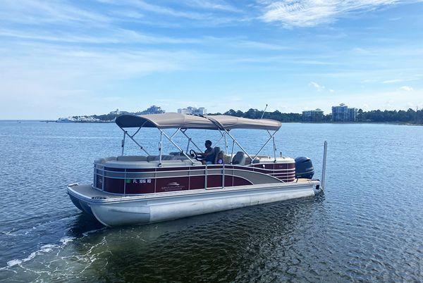 Used Bennington 2350 RSR Pontoon Boat For Sale