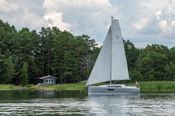 New Beneteau Oceanis 30.1 Cruiser Sailboat For Sale