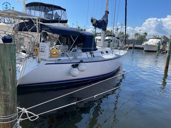 Used Hunter 37 Legend Sloop Sailboat For Sale