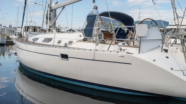 Used Diva Racer and Cruiser Sailboat For Sale