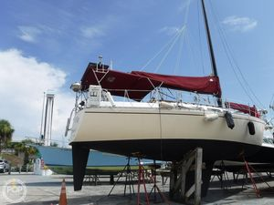 Used Freedom Yachts 32 Sloop Sailboat For Sale