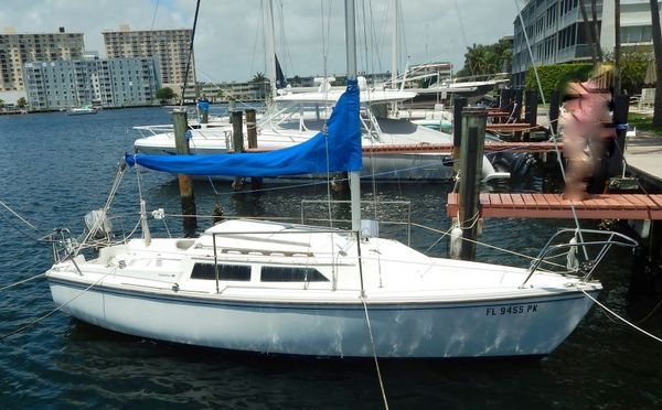 Used Catalina 22 Pop Top Sloop Daysailer Sailboat For Sale