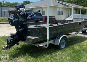 Used War Eagle 750 Gladiator Duck Fishing Boat For Sale