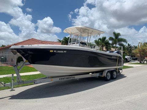 Used Century 2600 Center Console Fishing Boat For Sale