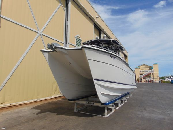Used Glacier Bay 3065 Canyon Runner Saltwater Fishing Boat For Sale