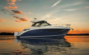 New Sea Ray 320 Sundancer Outboard Power Cruiser Boat For Sale