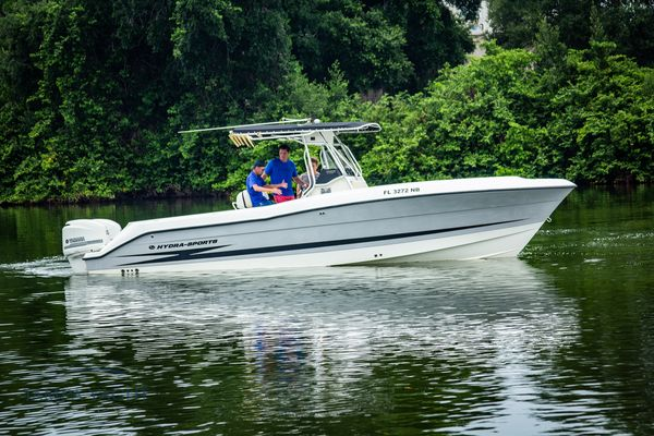 Used Hydra Sports Vector 2800 CC Saltwater Fishing Boat For Sale