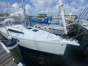 Used Beneteau Oceanis 30.1 #142 Cruiser Sailboat For Sale
