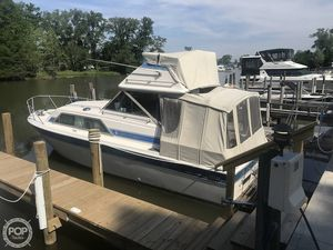 Used Chris-Craft Catalina 291 Express Cruiser Boat For Sale
