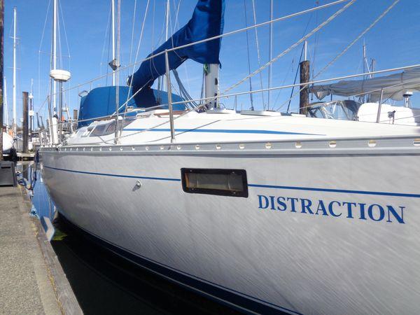 Used Beneteau Oceanis 350 Sloop Sailboat For Sale