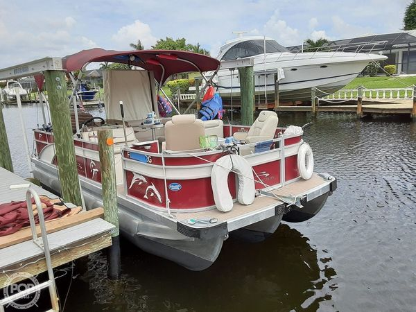 Used Bennington SX 21 Pontoon Boat For Sale
