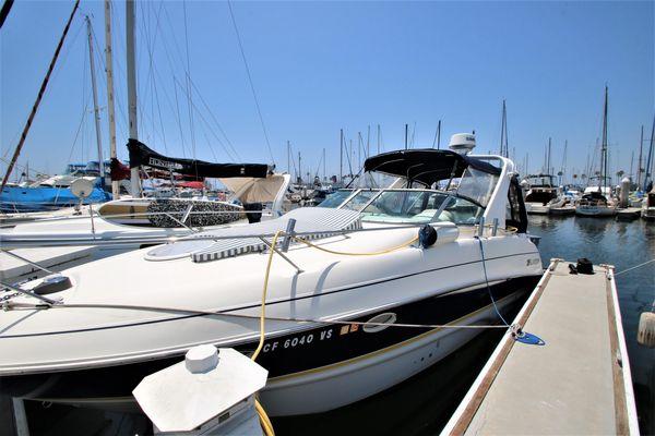Used Larson Cabrio 274 Cruiser Boat For Sale