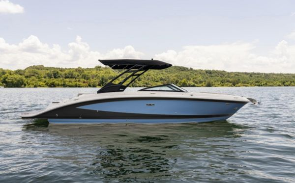 New Sea Ray 270 SDX Bowrider Boat For Sale