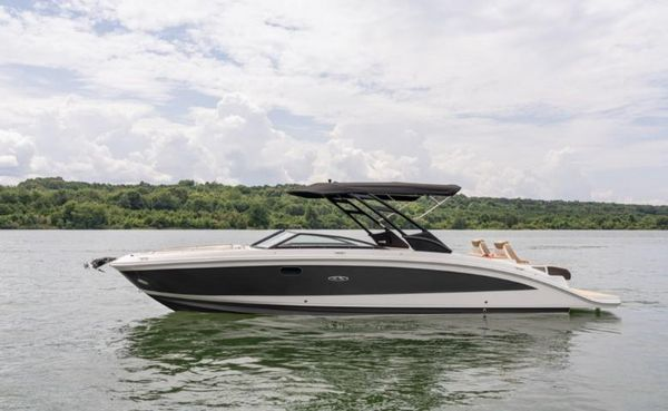 New Sea Ray 290 SDX Bowrider Boat For Sale