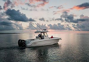 New Boston Whaler 280 Outrage Center Console Fishing Boat For Sale