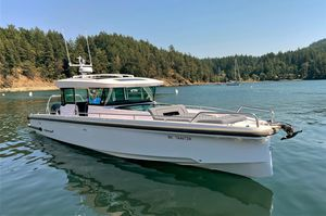 Used Axopar XC Express Cruiser Boat For Sale