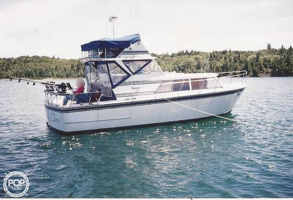 Used Marinette 32 Express Fisherman Sports Fishing Boat For Sale