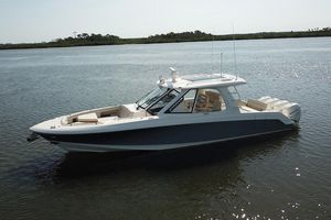 New Boston Whaler 380 Realm Walkaround Fishing Boat For Sale
