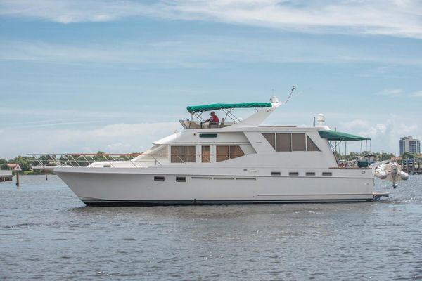 Used Ocean Alexander 546 Cockpit MY Motor Yacht For Sale