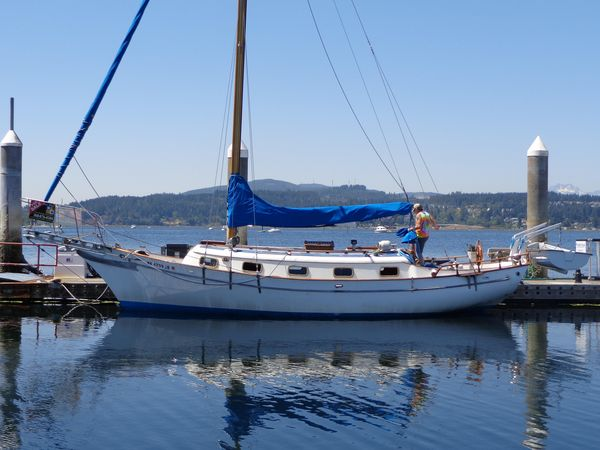 Used Chb Island Trader Sloop Sailboat For Sale