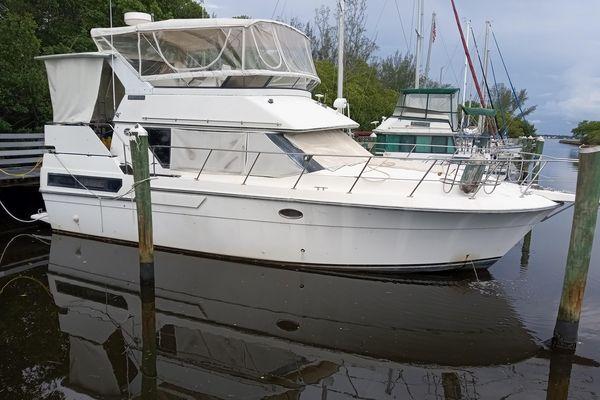 Used Carver 3607 Aft Cabin Cruiser Boat For Sale