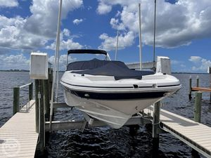 Used Hurricane 2690 SD Deck Boat For Sale