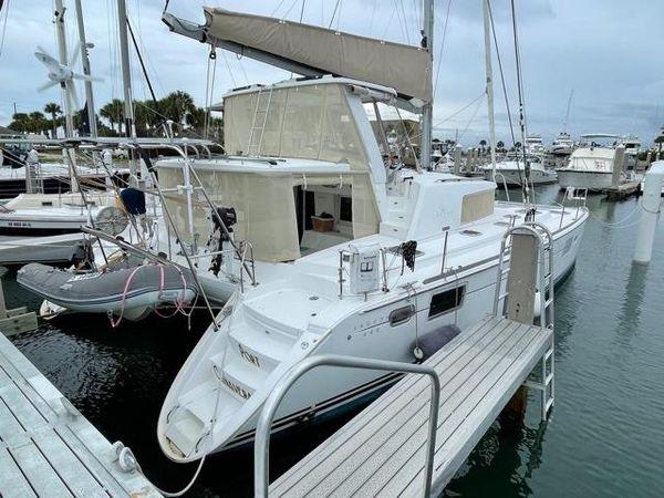Used Lagoon 440 Owners Version Catamaran Sailboat For Sale