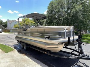 Used Sun Tracker 24 DLX Party Barge Pontoon Boat For Sale